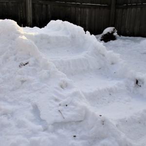 雪の階段。Snow Steps