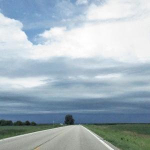 ミネソタの真っすぐな道。Straight Roads in MN