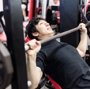 【筋トレ】大胸筋に効く胸トレ4選