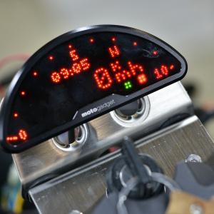 ②GSX750S メインハーネス交換 ASウオタニフルパワーキット モトガジェット The motoscope pro verⅡ (モトスコープ プロ バージョンⅡ)などなど