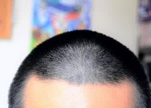 【暑い!散髪】頭からポタポタと汗が落ちてくる