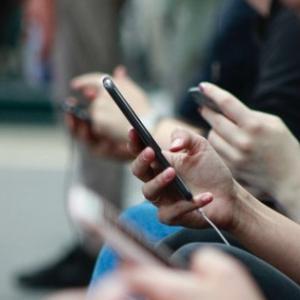マレーシアで毎日24時間1Gを無料でネットに繋ぐ方法