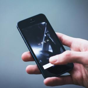 Uber・Lyftを代表としたライドシェア企業の市場価値分析