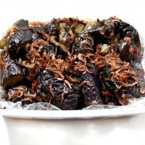 ナスと干しエビの煮物
