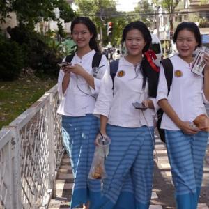 金曜日は北タイ伝統服で