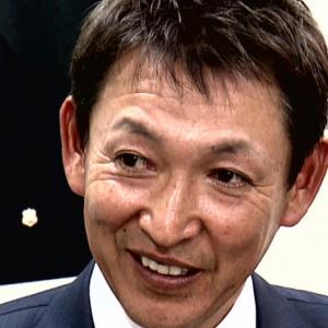 立浪和義さん、元ソフトバンク・ロッテのズレータとツーショット写真を撮る【写真】