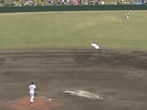 京田が飛んだ! 京田が魅せた! 横っ飛びスーパープレー!【動画】