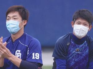 中日・吉見一起投手「やばい。(マスクの内側が)びしょびしょ」