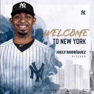 ニューヨーク・ヤンキース「Welcome to Pinstripes, Joely」