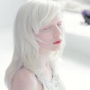 洗顔もせず化粧水も乳液もつけない生活を1か月間続けた結果美肌に?