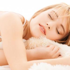 肌にいい睡眠時間は?美肌効果のある睡眠時間を実際に検証してみた