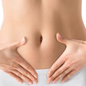 便秘に大きな影響を及ぼす「むくみ腸」、その解消法をご紹介しますね!