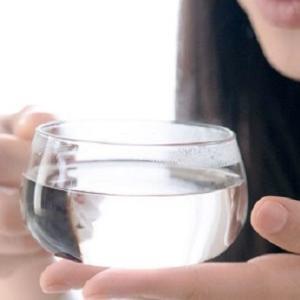 便秘解消、お腹が冷えるものは控える!温かい白湯+5つのメニュー