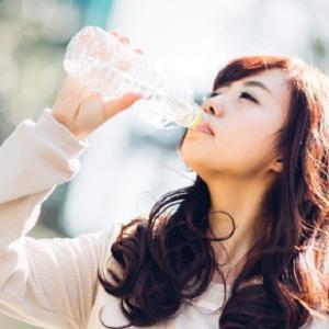 便秘解消・改善効果を始め、「水」の様々な健康効果と正しい飲み方
