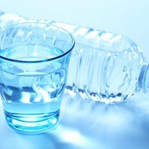 「硬水」に便秘解消効果!マグネシウムがよい理由から飲み方まで