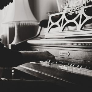 「なぜピアノは毎日練習しないと上手にならないの?」に科学的に答えると