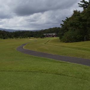 ゴルフ行ってきました。