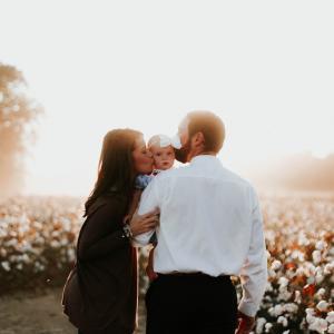 子供の脳の成長には母親の愛、人格形成には父親の愛が大きな影響を与えている!