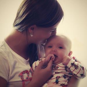 子供を毎日『抱っこ』していますか?積極的なスキンシップで子供の心を健全に!!