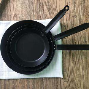 【テフロン加工に不安を感じている人へ】脱テフロンでストレスフリーに。鉄製鍋は初心者でもうまく使いこなせる身近なアイテム。