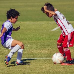 【サッカー】ヘディングは小5まで禁止に。脳にダメージを与える恐れ。
