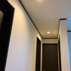 大失敗 2階廊下の照明工事に〇万円の出費