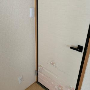 なぜそこに!?ドアの裏側にあるスイッチ