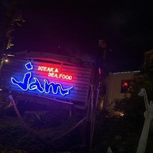 沖縄キャンプ中に野球選手が訪れるお店