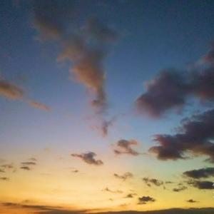 おやすみ夕日、おはよう満月でW&J