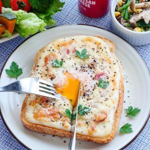 超簡単!卵とろ〜り♡カルボナーラ風トースト♪