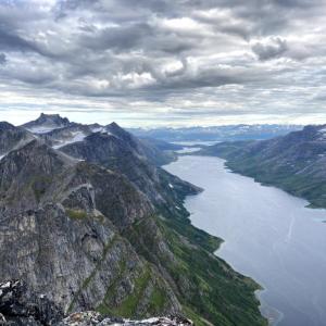 Skamtinden上級レベルのハイキング往復4~6時間