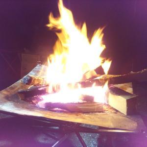 軽量、手軽に組める焚火台 開封&使ってみた