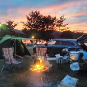 久美浜湾の絶景を眺めるひと時、かぶと山公園キャンプ場