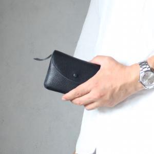 【再入荷!☆】小さい財布でも、長財布でもない。ミディアム財布が今の気分 スタジオラコーズ