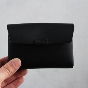 長く使い込みたいシンプル財布 ウルクスト