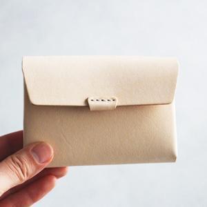 長く使いたいシンプル財布 ウルクスト