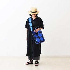 それどこの?水玉のトートバッグ:ネイビー×ブルーも大人気!