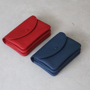 ちょうどいいサイズのミディアム財布に限定色が登場しました。10周年記念!