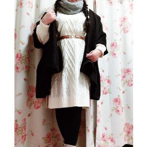 編み上げの白ニットに黒ポンチョコーデ☆