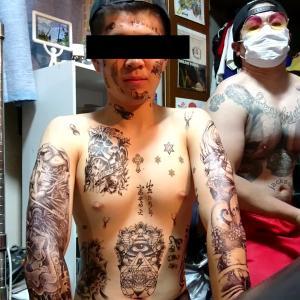 タトゥーシール貼ってみたら大変な事になった。