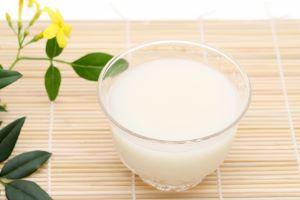 甘酒は酒粕と米麹 健康に良いのはどっち ダイエットはどっち