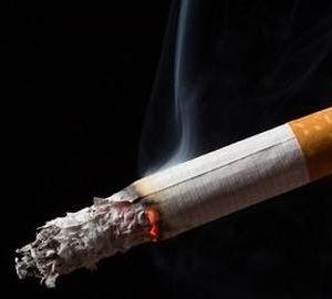 歩きタバコを注意され、殴って逃げた男【逮捕】