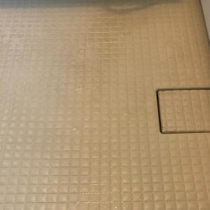 お風呂の床の黒ずみを落とすならリンレイウルトラハードクリーナー❕❕