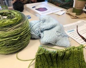 【編み物】帽子がスヌードになってもた