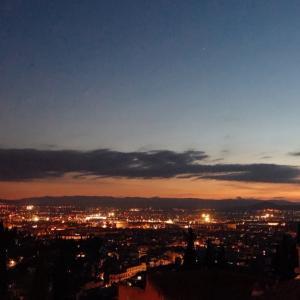 グラナダ、アルハンブラ宮殿と夕陽