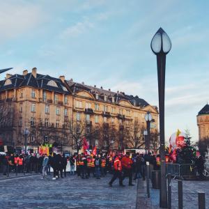 フランスと日本の違い:ストライキ