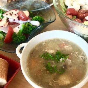 丸鶏料理の翌日は鶏ガラで濃厚スープ ターキースープ チキンでも!