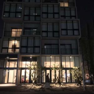 「9HOTEL HAKATA」福岡中洲、最近開業、最新TV完備の和洋折衷
