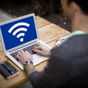 これだけでWi-Fiが爆速になる2つの設定<快適なネット環境を手に入れよう>