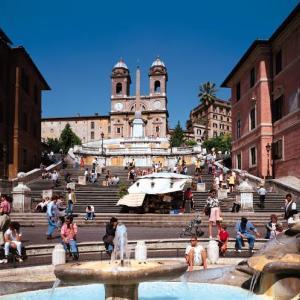ひと月にイタリアとアメリカへ旅行に行った20歳の大学生の話